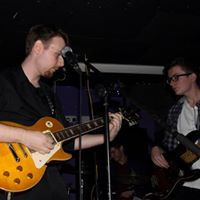 Live at Bar 42, photo credit: Leanne Cushnie